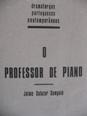07_professor_piano